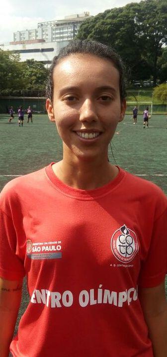 <b>Camila Barros</b>