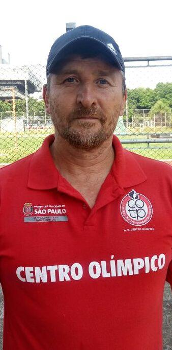 <b>Daniel dos Santos</b>