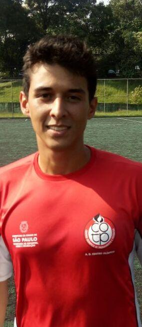 <b>Eduardo Silva</b>